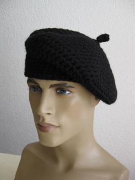 Classic men Basque hat in the French style